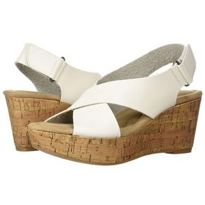 NWT CL by Laundry White Dream Girl Wedge Sandal